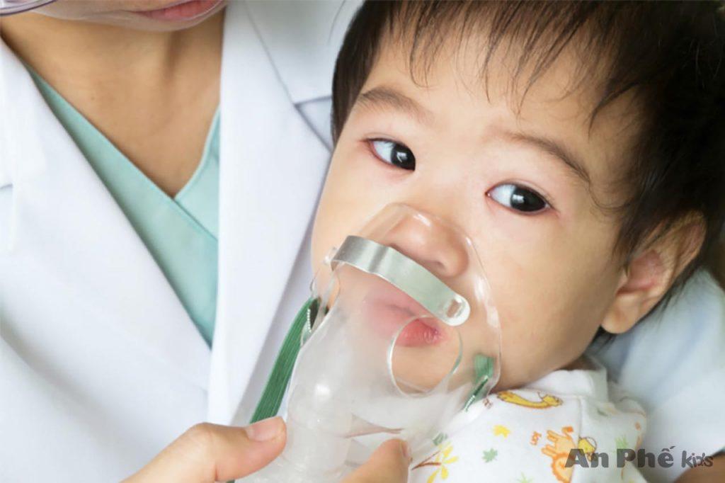 Viêm phế quản cấp ở trẻ và những biến chứng nguy hiểm mẹ cần biết - Ảnh 2